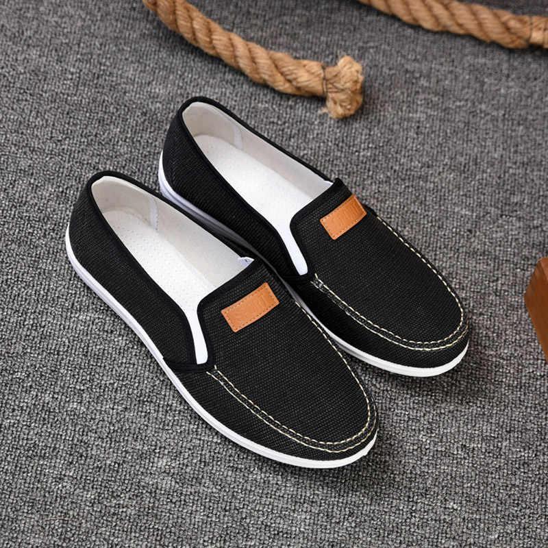 OUDINIAO حذاء رجالي قماش الدنيم الانزلاق على الرجال حذاء كاجوال Plimsolls تنفس الذكور الأحذية الربيع أحذية رياضية الأزرق الداكن المتسكعون