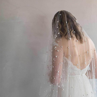 Romantic Two Layers Short Wedding Veils With Venetian Pearls And comb