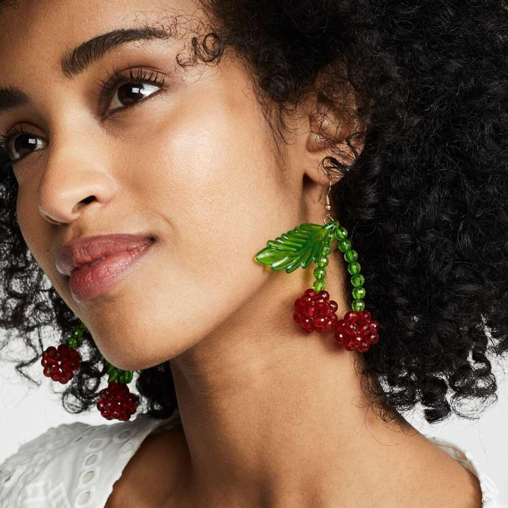 Best lady New Brand Design Cute Raspberry Shaped Dangle Earrings for Women Red Green Leaf Plant Wedding Party Statement Earrings