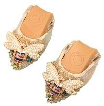 Designer Crystal Woman Flat Shoes Elegant Comfortable Lady Fashion Rhinestone Women Soft Bees Shoes