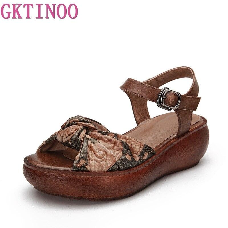 Ayakk.'ten Orta Topuklu'de GKTINOO Kadın Sandalet 2019 Yaz Hakiki Deri Gladyatör Sandalet Kadın Ayakkabı Moda Takozlar Rahat Ayakkabı El Yapımı Sandalet'da  Grup 2