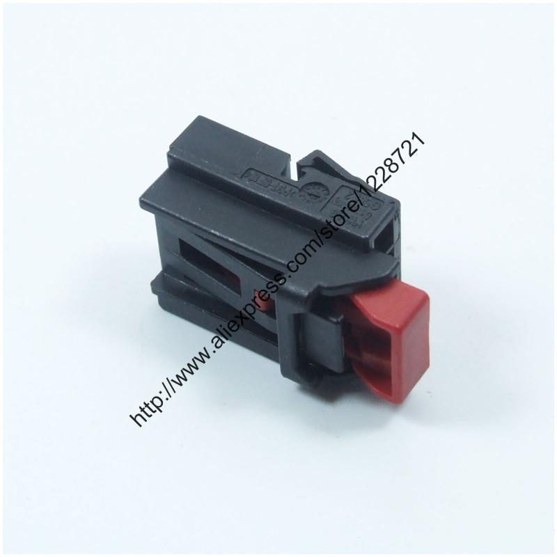 10pcs 7n0 972 704 4pin Car Automotive Tail Lamp Plug