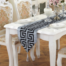 Classical Chinese Style Wedding Decoration Modern Table Runner Cotton Chemin De for Party Embroidery Cloth