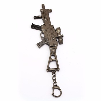 PUBG Anime game gun model keychain pendant jewelry for men's car personality vintage retro weapon key chain accessory