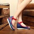 2016 velha Pequim sapatos femininos Viagem sapatos Mary Jane estilo China Bordados plana sapatos Altura crescente 5 CM