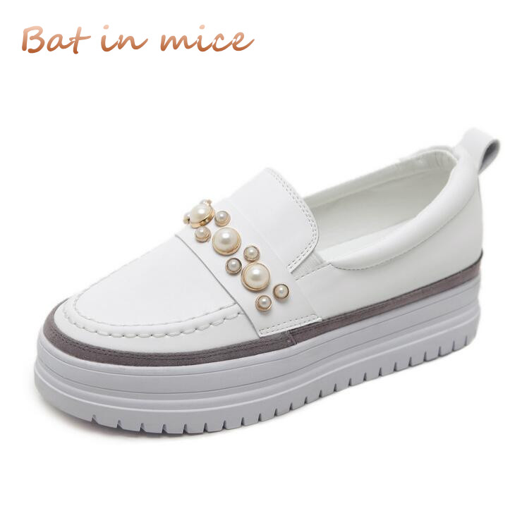 2018 fashion Casual shoes women spring summer PU leather White thick sole flats heels pearl shoes ladies Platform shoes C205 xiuteng 2018 spring genuine leather women candy color flats soft rubber sole ladies casual high quality beach walking shoes