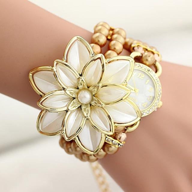2018 New Hot Sell Pearl Flower Bracelet Watch Women Fashion Style Quartz Watches