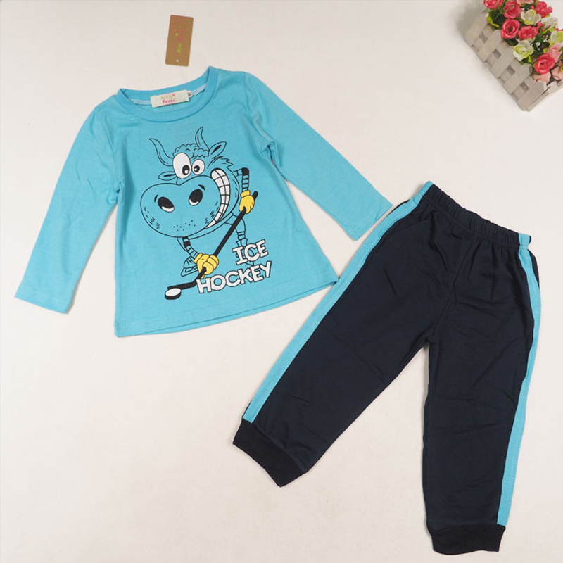 Madison-Drake Children's Boutique carries a great selection of designer brand name clothing for infant and toddler boys including smocked jon-jons, appliqued longalls, baby boy's bubbles, shorts sets, reversible outfits and more.