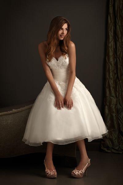 Free shipping a line sweetheart neckline appliqued organza for Sweetheart neckline tea length wedding dress