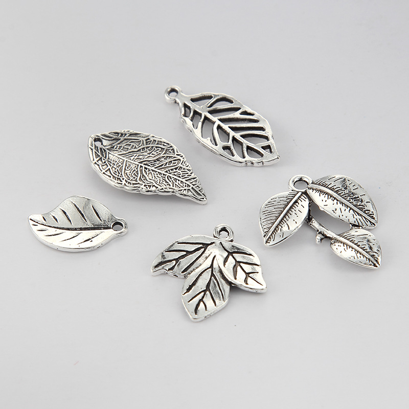10pcs Factory price Hot High Quality Alloy Antique Silver Charm Leaf Leaves Charms Pendant For Necklace Jewelry Accessories