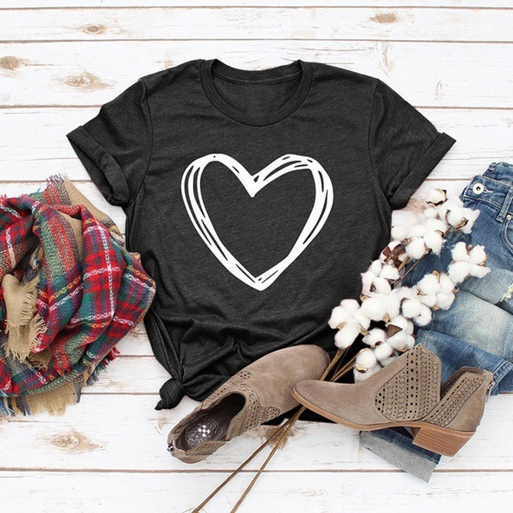 32e5a22cfec 2019 nueva camiseta de mujer de moda de verano cuello redondo de manga  corta Camiseta Casual corazón amor impreso camiseta Tops 3XL Plus tamaño  WDC2519 ...