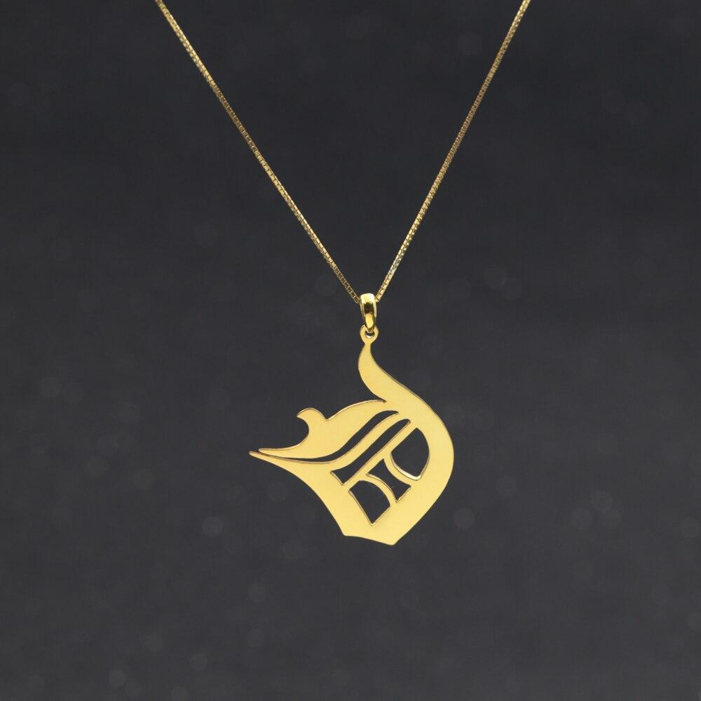 de2fc16060b Inglés Antiguo fuente letra inicial collar pendiente Cadena de caja  personalizada 26 letras 925 Plata sólida Collares joyería