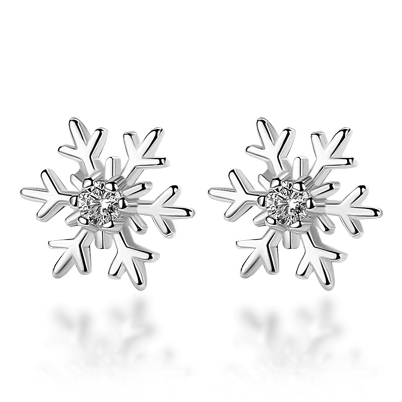 Classic CZ Crystal Snowflake Stud Earrings for Women Silver Color Cute Small Christmas Earrings Fashion Jewelry brinco feminino