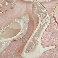 יפה נעלי חתונה העקב גבוה נעלי אביב שמלת כלה יהלומים מלאכותיים תחרה סקסיים חלולים שקופים נעלי לבוש רשמיות לנשף