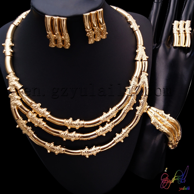 2017 Wholesale European hollow out delicate jewellery sets top quality gold-color rhinestone jewelry set for women цена