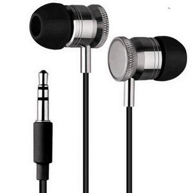 De Metal con conexión de cable auriculares bajo pesado MP3 teléfonos móviles general auriculares deportes juego de auriculares fácil de llevar para el teléfono inteligente