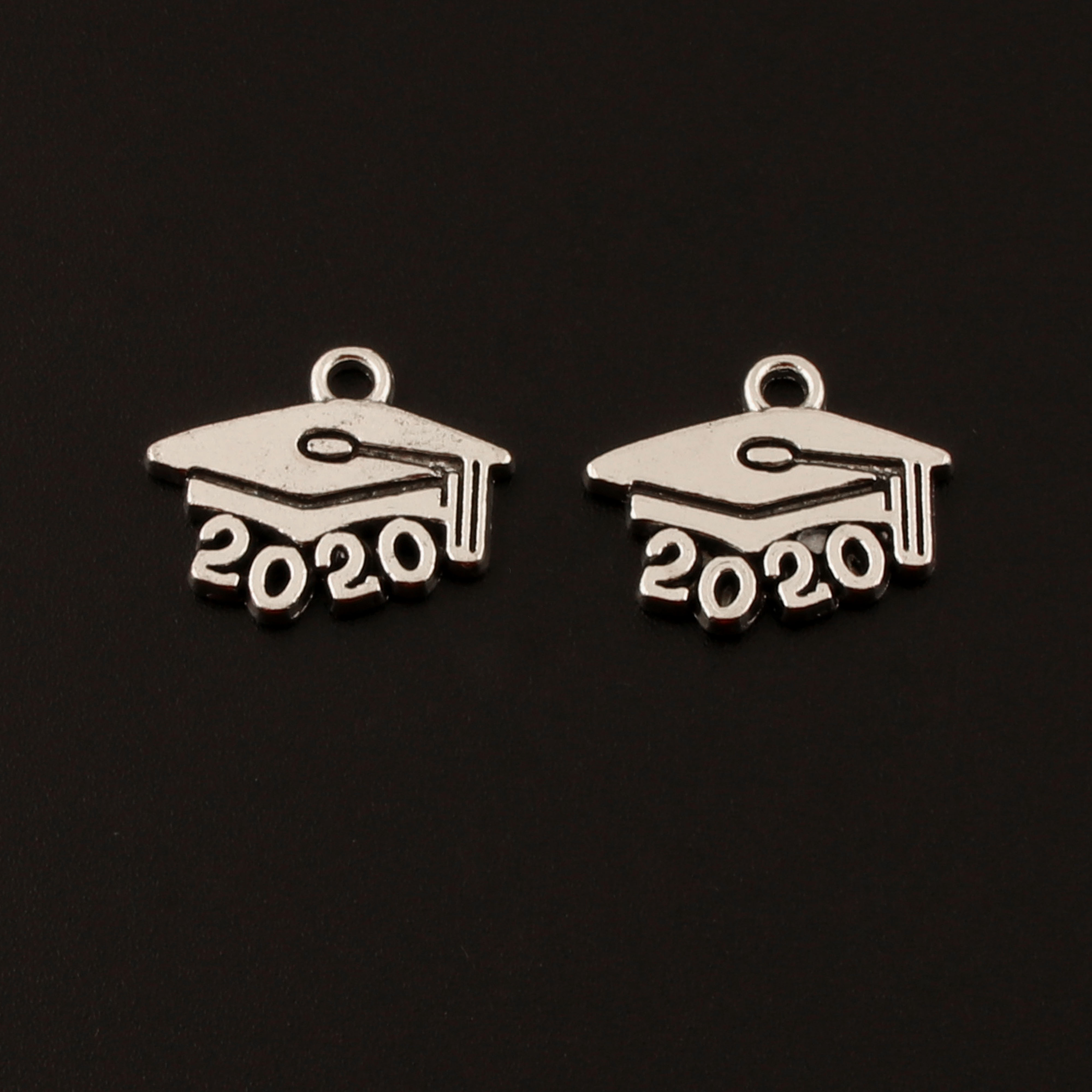 50pcs year 2018 Charms Silver tone 2018 charm pendant 9x13mm