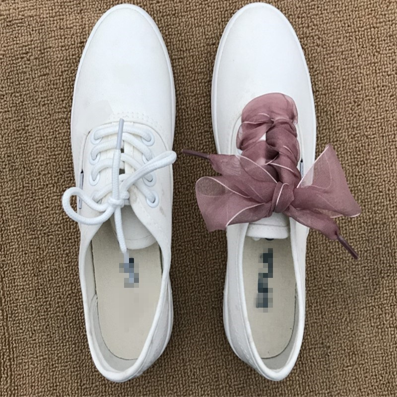 купить Fashion Shoestrings Women Shoelaces Flat Silk Satin Ribbon Shoe Laces Sneakers Sport Shoes Lace Bow/1pair по цене 74.8 рублей