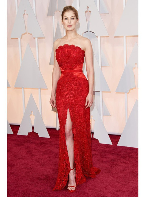 Red Moda Vestidos de Rosamund Pike Evcening Strapless mermaid Lace Alta Dividir Bainha Prom 87th Oscar Partido Vestido Celebrity Dress