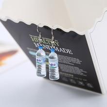 Moda creativa simulación de botellas de agua Mineral pendientes lindos hechos a mano pendientes joyería de mujer