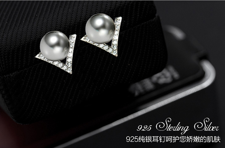 925 Sterling Silver  Gray White Imitation Pearl Women V Shape Setting Clear Zirconia Stones Silver-Color Fashion Ear jewelry