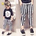 2016 Nuevas Muchachas de La Raya pantalones de Ocio Muchachas Del Otoño Casual Lindo Blanco Negro de La Raya del cabrito pantalones para niñas niños denim pantalones vaqueros