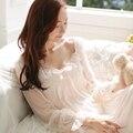 O Envio gratuito de 2017 Nova Verão Princesa Camisola Real Pijama Rendas Sleepwear Modal Longa Camisola das Mulheres Camisola 16022