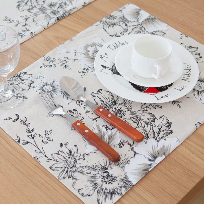 Free Shipping Black Flowers Placemat Dining Table Coaster Cloth Insulation Coffe Tea Cup Pad Kitchen Mantel Individual For Table