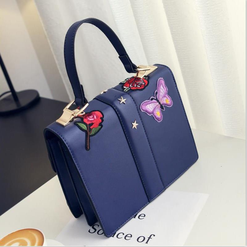 106889287a87 2018 Autumn National Vintage Embroidery Shoulder Bag Women Floral Bee  Embroidered Handbags Ladies Small Lock Crossbody Bag Sac -in Shoulder Bags  from ...
