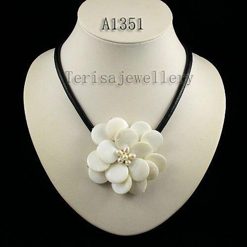 Идеальное ожерелье в виде цветка из натуральной раковины, белое ожерелье из пресноводного жемчуга, ювелирные изделия из черной кожи, новинка - Окраска металла: white shell flower