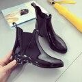 2016 negro botas de lluvia de las mujeres de los planos del tobillo botas de moda del tobillo de goma botas de mujer four season mujeres rainboots botines mujer pisos
