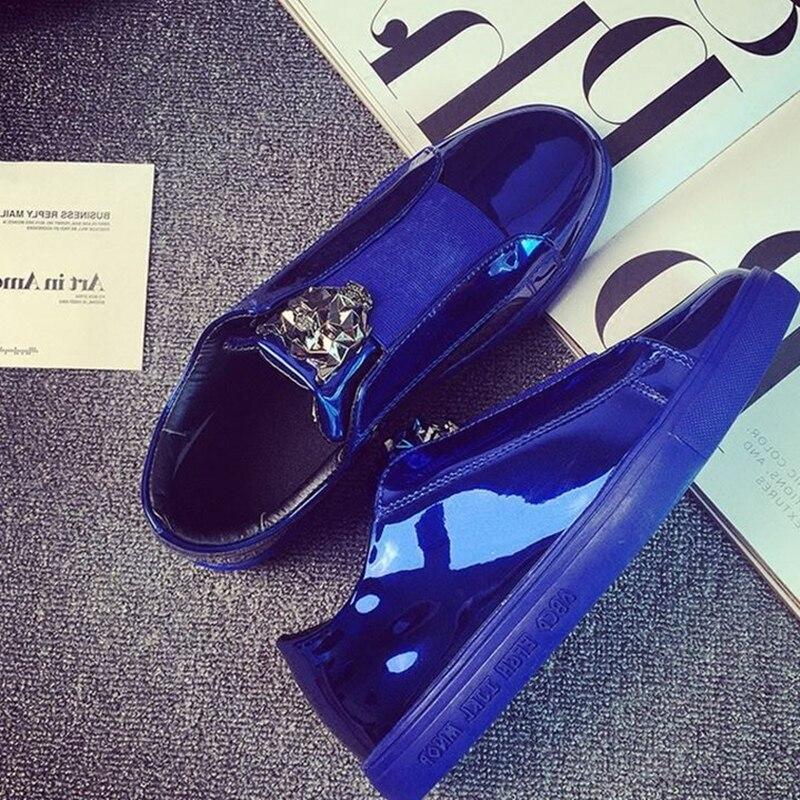 ceb4c9adeeeab 2017 Designer Version De Luxe Casual Chaussures Hommes Glissent Sur Mocassins  Métal Signe Versa Homme Chaussures En Cuir Verni zapatillas hombre dans de  sur ...