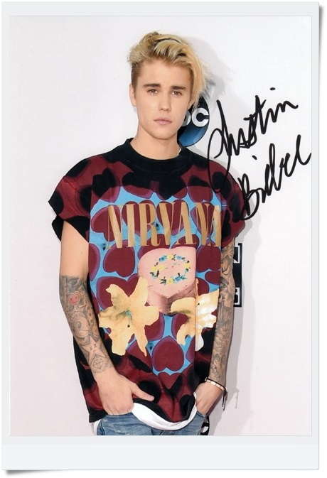 signed Justin Bieber  autographed  original photo 7 inches freeshipping  08201701 justin lo autographed photo singer 2017 10 15cm 4 6inches freeshipping 02 2017