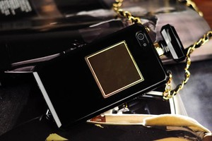 Image 4 - For iPhoneX XR XS 6s 7 8Plus 11 12 Pro MAX Luxury Perfume Bottle TPU Soft Phone Case Handbag With Chain Phone Back Cover Fundas