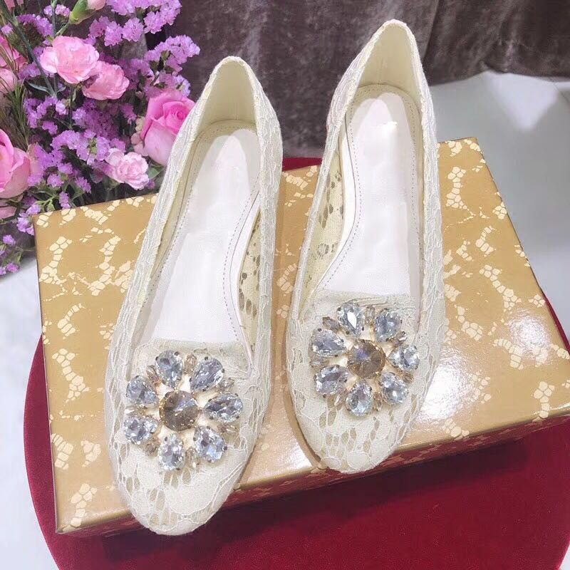 Luxury name brand women shoes lace embroidered flats shoes Rhinestone flower decor mary janes shoes round toe Single shoes bride цена 2017
