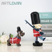1 set European Stlye England Royal Police Patrol Dog Ornament Creative Figurines Living Room Home Decoration Accessories Statues
