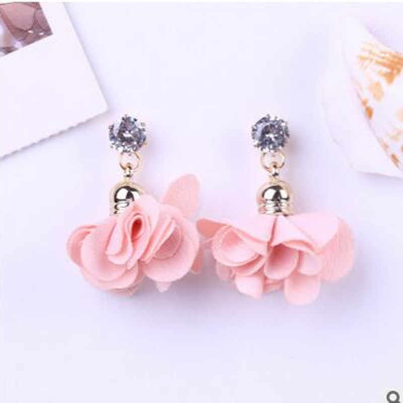 2018 Terbaru Cute Rose Kelopak Zirkon Temperamen Anting-Anting Carnation Fashion Kristal Liontin Perhiasan Wanita