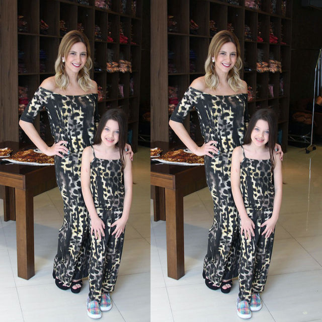 0ce8868225 Mother Daughter Matching Clothes Leopard Mom Kids Girls Jumpsuit Loose off  shoulder Stretchy Rompers Family look Outfits