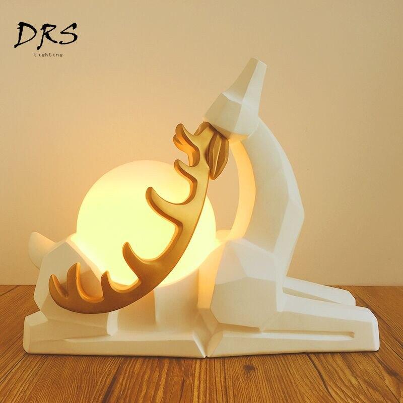 Nordic Herten Moderne Tafellamp Eenvoudige Warme Slaapkamer Decoratieve Nachtkastje Bureaulamp Persoonlijkheid Prinses Huwelijkscadeau Tafel Lichten