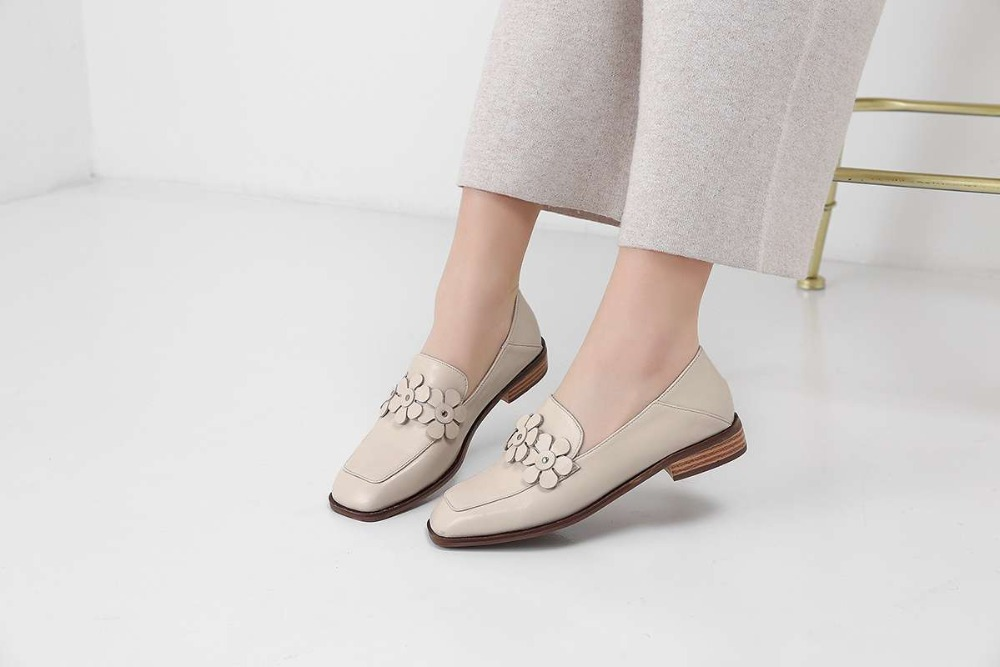 Slip En Vintage L87 De 2019 Hechos Decoración Abuela Casual Dedo Mocasines Pie Cuero Zapatos A Ropa Negro Cuadrado blanco Flores Del Mano Conducción qxZwfx6U
