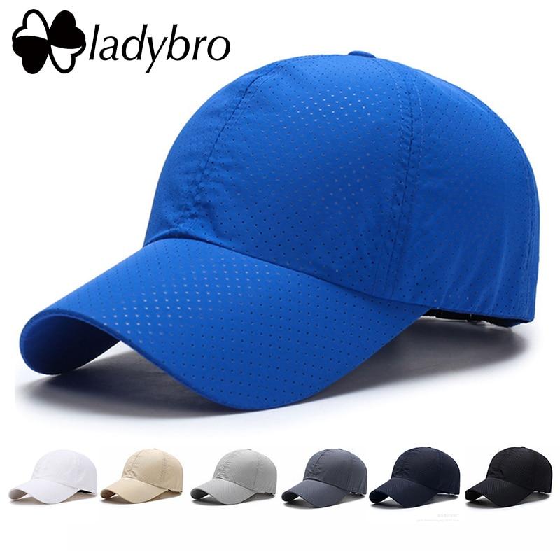 Ladybro 2018 Կանանց բեյսբոլի գլխարկ - Հագուստի պարագաներ