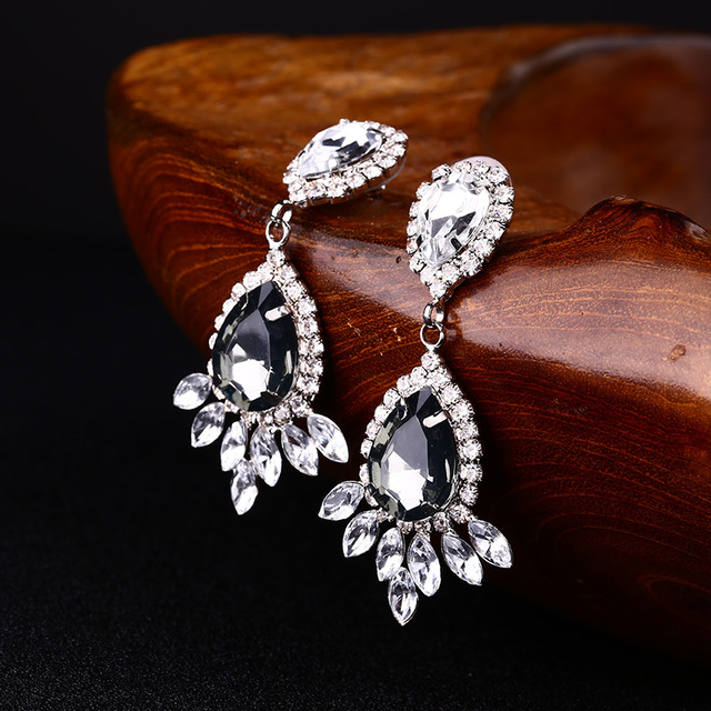 YFJEWE Classic Fashion Accessories Rhinestone Drop Earrings E113