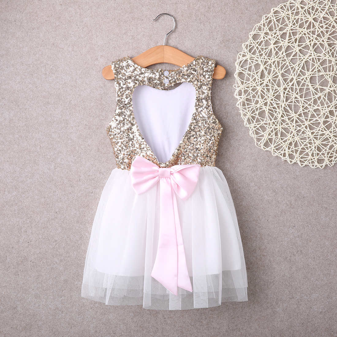 Fashion Children Baby Girls Dress Clothing Sequins Party Mini Ball Formal Love Backless Princess Bow Birthday Gown Dresses children s clothing new 2016 sleeveless bow striped princess dress ball gown formal flower girls dresses