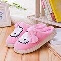 Hello Kitty Invierno Deslizador de Interior de Las Mujeres Suela de Goma de la Casa de Costura zapatos Zapatilla Cat Pantufa Foot Warmer Dos Colores Pueden Ser elegir