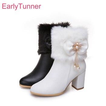 39d88d07d Новые брендовые зимние Гламурные женские зимние сапоги на меху; цвет белый,  черный; пикантные женские модельные туфли на высоком каблуке; бо.