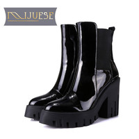 MLJUESE 2019 women ankle boots cow leather patent leather black color pointed toe winter short plush platform women boots