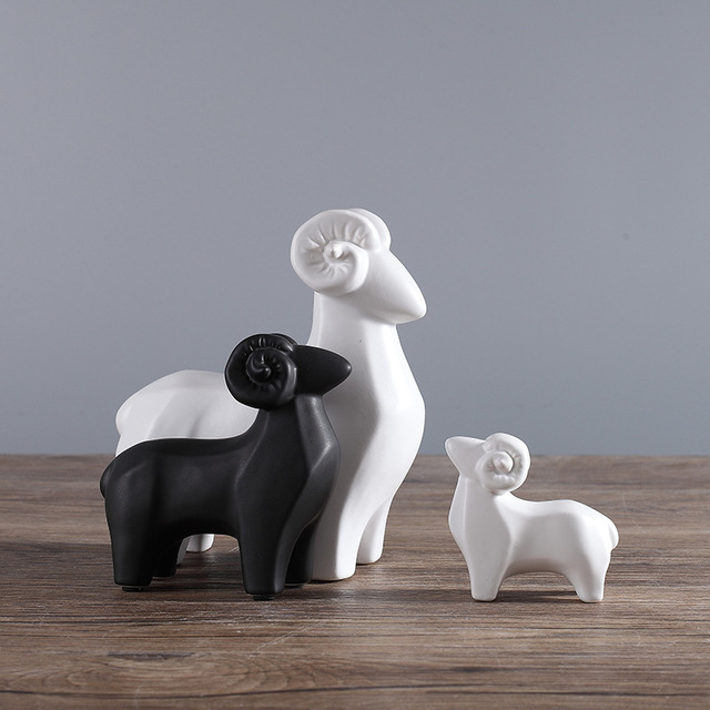 North European Ceramic Sheep Model Figurines Villa Animal Home Decoration Miniatures Furnishing Christmas Decor