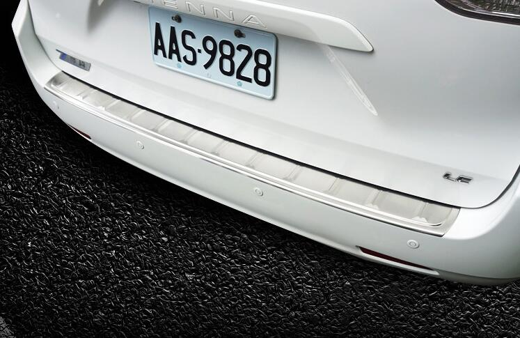 Stainless Steel Rear Bumper Door Sill Plate Scuff Plate For Toyota Sienna 2011-16