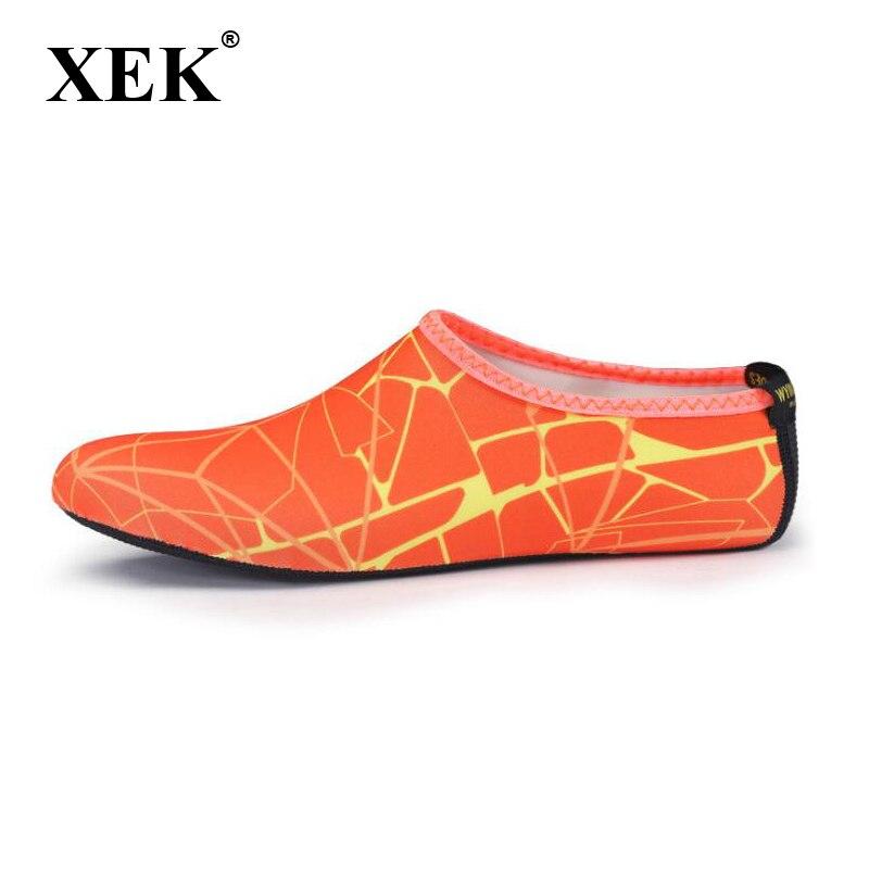 bb4ae8a5eaf54 Slip bleu orange Chaussures Parc Nouvelles Diapositives Wyq14 Plage Xek Aqua  Sandales gris D eau rose Femmes Coloré jaune D été Noir Pantoufles ...