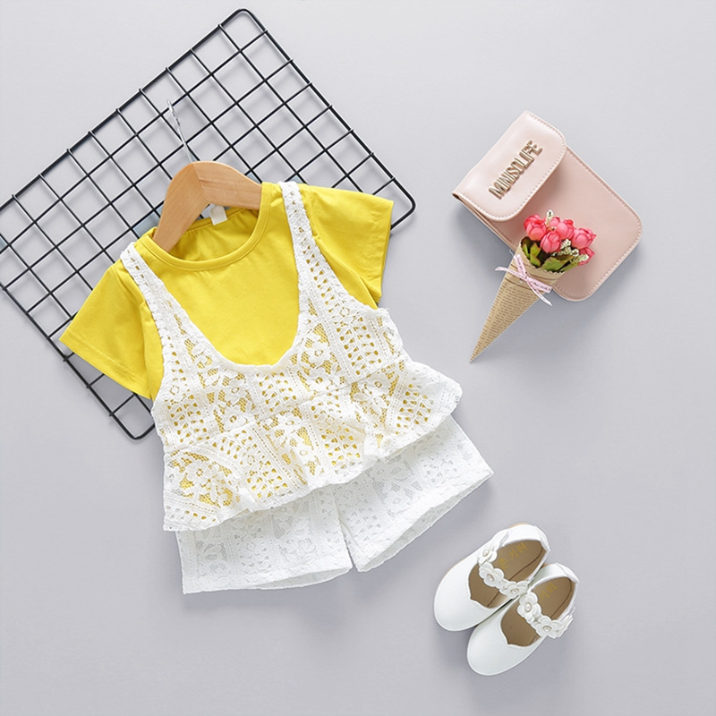 WYNNE GADIS Summer Baby Girls Short Sleeve Lace Ruffles T shirt Tops Shorts Kids Clothing Sets